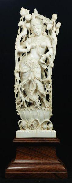 Antiques Chinese China Wucai Porcelain Wenshu Manjushri Bodhisattva Buddha On Lion Ru Yi Statue Exquisite Craftsmanship;