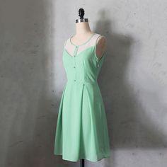 Le Petit Jardin Dress Sage/ / Fleet Collection