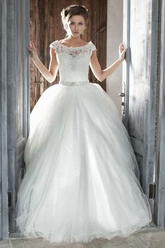 Amazing Wedding Dresses Albums For Your Personal Inspirations Now! Visit Our Site To Enjoy Our Amazing Wedding Gown Pictures.