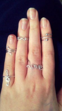 Pic only, no website DIY rings! I love the treble clef and infinity ones! This wouldn't be too difficult. Just need to get wire and wrap it into the shape you want.a lot more difficult than you'd think! Wire Jewelry, Beaded Jewelry, Jewelery, Jewellery Box, Diy Jewelry Rings, Jewellery Shops, Wire Earrings, Jewelry Stores, Jewelry Necklaces