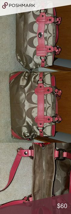 Authentic Coach handbag Gently used handbag with no stains or scuffs Coach Bags Shoulder Bags