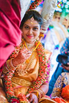 You can find the best wedding photographers, top wedding makeup artists, finest wedding decorators, top wedding planners, bridal stylists & affordable jewellery rentals Wedding Couple Pictures, Image Master, Flower Garland Wedding, Bengali Wedding, Wedding Highlights, Bridal Blouse Designs, South Indian Bride, Best Wedding Photographers, Traditional Outfits