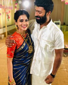 "Shanthnu Bhagyaraj on Instagram: ""‪Sometimes you are so Beautiful that I jus wanna stand still and look at you 💛😘 Thanks for being my bestie 😍‬ #WeddingDiaries  #nofilter…"" Saree Wedding, Bridal Sarees, Silk Saree Blouse Designs, Simple Sarees, Saree Look, Saree Styles, Beautiful Saree, Saree Collection, Indian Designer Wear"