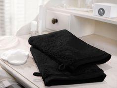 Couleur Vésuve.  Gants de Toilette x 2.  16x22 cm - 600gr/m2.    Ce gant de toilette de la collection de linge de bain Noir Vésuve, c'est comme la douceur de la soie sur votre peau. Ce gant vous offrira jour après jour tout le confort dont vous rêvez et deviendra rapidement l'indispensable allié pour une toilette agréable et raffinée.