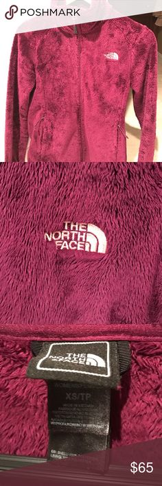 North face Fleece Jacket. Women's XS Excellent condition. Beautiful Burgandy color North Face Jackets & Coats