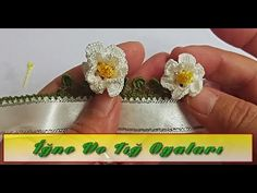 Katlı Çiçek Tığ Oyası - YouTube Diy Crochet Bag, Crochet Flower Tutorial, Crochet Flower Patterns, Crochet Mandala, Crochet Pillow, Baby Knitting Patterns, Crochet Flowers, Beginner Crochet Projects, Crochet For Beginners