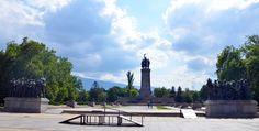 Découvrez les différents visages de Sofia en photos. Parcs fleuris, cathédrales, jolies fontaines, églises somptueuses et bâtiments historiques à l'architecture d'exception feront partie de l'aventure.  #vacances #famille #myatlas #fontaines #sofia