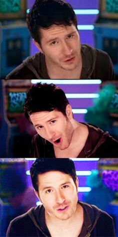 This is what happens when his face pause. This is one attractive face. <3