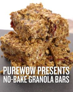 These granola bars are the triple-threat of the snack world—they're filling, delicious and ridiculously easy to make. Seriously, you don't even need to toast, roast or bake a single thing. Now, if only all our meals were this simple to pull together. Cheap Clean Eating, Clean Eating Snacks, Healthy Snacks, Healthy Breakfasts, No Bake Granola Bars, Healthy Granola Bars, Easy Recipe For Granola Bars, No Bake Oatmeal Bars, Sin Gluten