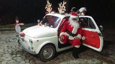Ancora una volta il nostro cliente Oscar dalla Colombia ci stupisce con questa sua bellissima foto della Fiat 500 decorata con orecchie e naso da renna. Il nostro Oscar è nei panni di Babbo Natale...