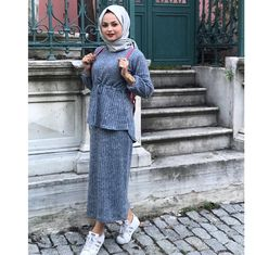 Pinterest    @adarkurdish Islamic Fashion, Muslim Fashion, Hijab Fashion, Fashion Outfits, Fashion 2020, New Fashion, Trendy Fashion, Fashion Models, Trendy Style
