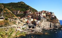 Travelling Colors http://travellingcolors.com/travel-to-cinque-terre.html