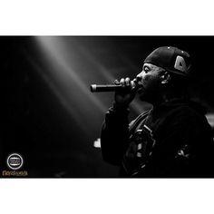 Dono de umas das vozes mais foda @nego_jam |- EDI ROCK 24/07 no Brasuca #hiphop #rapnacional #paralelourbano #music #sonoridades #brasuca #bolachassonoras #musicaboa #seletas #discotecagem #realdjs #turntablism #djs #racionais #negodrama #thatsmyway paralelo urbano by paralelourbano http://ift.tt/1HNGVsC