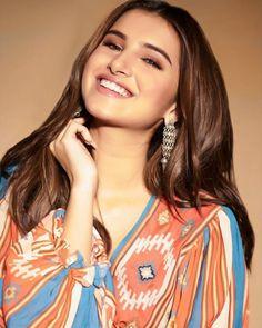 Beautiful Girl Indian, Most Beautiful Indian Actress, Indian Celebrities, Bollywood Celebrities, Stylish Girls Photos, Girl Photos, Beautiful Bollywood Actress, Beautiful Actresses, Wedding Dresses Pinterest