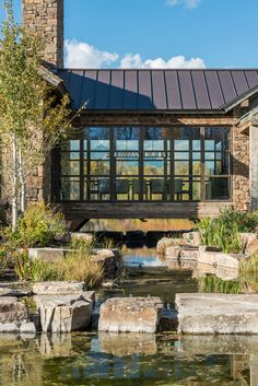 This Linn Ranch house was conceived on a site ravaged by time. Ideas Cabaña, Breezeway, River House, Cabin Homes, Exterior Design, Modern Exterior, My Dream Home, Future House, Modern Farmhouse