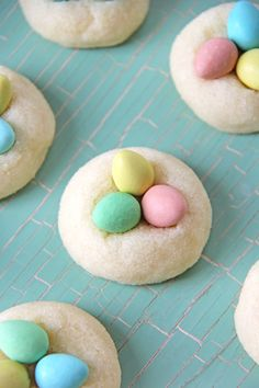 Easter Egg Sugar Cookies (A Pretty Life In The Suburbs) - Health Food Easter Cookies, Easter Treats, Summer Cookies, Baby Cookies, Heart Cookies, Valentine Cookies, Birthday Cookies, Christmas Cookies, Christmas Crafts