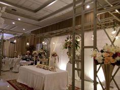 Bride corner