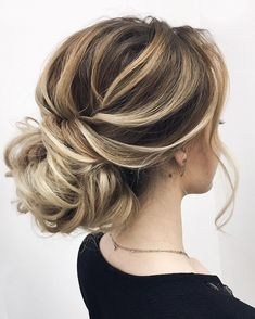 Wedding Hairstyles Updo Whether a classic chignon, textured updo or a chic wedding updo with a beautiful details. These wedding updos are perfect for any bride looking for a unique wedding hairstyles. - Hair by Elena Tserr Messy Wedding Hair, Elegant Wedding Hair, Wedding Hair And Makeup, Wedding Updo, Hair Makeup, Bridal Updo, Chic Wedding, Trendy Wedding, Spring Wedding