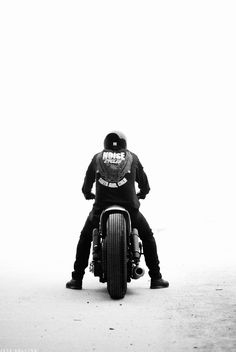 Garagesocial.com: Join the online car garage and show us your #motorcycles! You just might get featured.