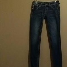 Miss Me skinny jeans Beautiful detail Miss Me Jeans Skinny