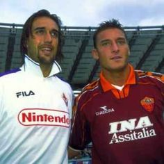 After the wide spread in the the collars are going to return to the big club shirts Best Football Players, Football Kits, Soccer Players, Football Soccer, As Roma, Most Popular Sports, Football Uniforms, Retro Football, Sport Icon