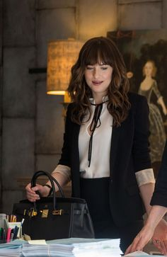 Dakota Johnson as Anastasia Grey in Fifty Shades Freed. Isabel Marant Mathis Blazer, Derek Lam Sleeveless Blouse With Front Ties, and Hermes Birkin. Casual Work Outfits, Business Casual Outfits, Professional Outfits, Business Attire, Mode Outfits, Classy Outfits, Chic Outfits, Fashion Outfits, Business Style