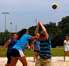 Beach Volleyball, Volleyball Quotes, Volleyball Players, Volleyball Problems, Funny Volleyball Pictures, Volleyball Training, Sports Pictures, Softball, Funny Sports