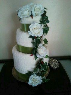 Wedding towel cake. Torta di asciugamani matrimoniale