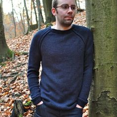 Maturin by Mercedes Áine Ryan :: Top 10 Men's Summer Sweater Patterns of 2014 :: 30 Day Sweater