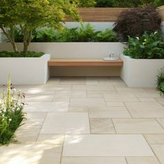 Large backyard landscaping ideas are quite many. However, for you to achieve the best landscaping for a large backyard you need to have a good design. Modern Garden Design, Terrace Design, Patio Design, Modern Design, Small Courtyard Gardens, Small Courtyards, Balcony Garden, Garden Floor, Outdoor Gardens