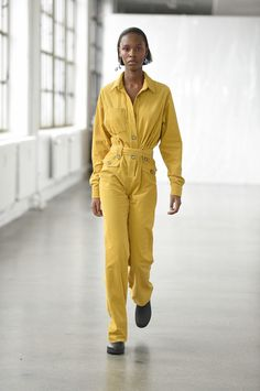 Catwalk photos and all the looks from Saks Potts Spring/Summer 2017 Ready-To-Wear Copenhagen Fashion Week Saks Potts, Spring Fashion 2017, Fashion Show, Fashion Design, Fashion Trends, Copenhagen Fashion Week, Minimal Fashion, Minimal Style, Fall Looks