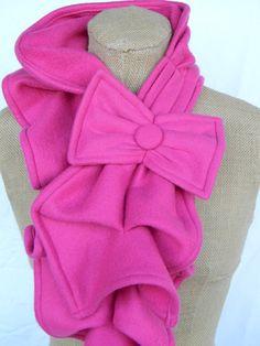 Fleece Ruffled Bow scarf...how'd she do it?