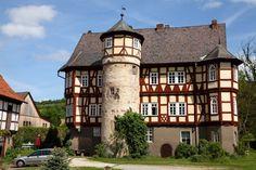 https://flic.kr/p/noZw9J | Rittergut Werleshausen (Hessen) | Manor Werleshausen (Hesse), mainly Renaissance from 16th century, but the oldest parts of the building date back to 13th century.