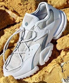 the ssense x reebok run.r 96 Sneaker Bar, Sneaker Boots, All Nike Shoes, New Shoes, Sneakers Fashion, Shoes Sneakers, Sneakers Design, Sneakers Sketch, Sports Footwear
