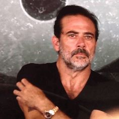 I can't stop staring at this gif of Jeffrey Dean Morgan. Someone send help!