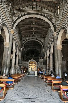 San Miniato al Monte Basilica, Florence, View of the Nave Beautiful Architecture, Beautiful Buildings, Monuments, Romanesque Art, Tuscany Italy, Florence Italy, Travel And Leisure, Italy Travel, Travel Pictures