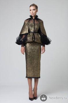Royal Dresses, Ball Dresses, Nice Dresses, Evening Dresses, Suit Fashion, Fashion Fabric, Fashion Dresses, Gowns Of Elegance, Types Of Dresses