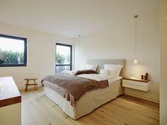 Camera da letto moderna di honey and spice