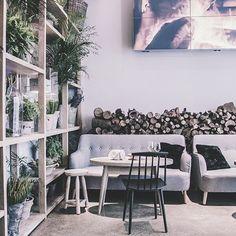 Oh là là! Esta semana en el blog os recomendamos catar las aves felices de @airerestaurante, una moderna rotisserie en #Chamberí, especializada en una cocina de esas con sabor a casa y a verdad que merecen la pena. Todos los detalles en eatandlovemadrid.es, link directo al post en bio  #cenaseatandlove #foodie #madrid