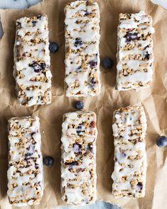 6. Blueberry Vanilla Greek Yogurt Granola Bars #bars #cheap #recipes http://greatist.com/eat/diy-energy-protein-bar-recipes