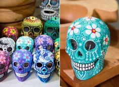 alcancias de calavera - Buscar con Google Sugar Scull, Sugar Skull Art, Diy And Crafts, Arts And Crafts, All Souls Day, Mexico Art, Skull Painting, Pottery Painting, Skull And Bones