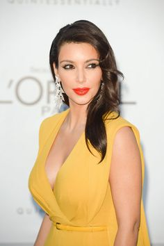yellow dress red lips makeup