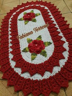 Crochet Christmas Table Runner Projects 48 Ideas For 2019 - Diy Crafts Crochet Towel, Crochet Baby Cocoon, Crochet Dollies, Diy Crochet, Crochet Flowers, Crochet Heart Blanket, Crochet Table Runner, Freeform Crochet, Crochet Videos