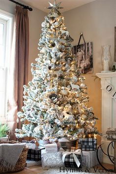 Flocked Christmas tree - part of this Christmas house tour this WHOLE look! Gold And Silver Christmas Trees, Beautiful Christmas Trees, Magical Christmas, Noel Christmas, Merry Little Christmas, Vintage Christmas, White Christmas, Natural Christmas, Victorian Christmas