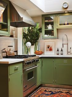 "The ""Ugly"" Colors Dakota Johnson's Designers Use to Give a Room Depth – domino Home Decor Kitchen, Kitchen Interior, New Kitchen, Home Interior Design, Home Kitchens, Kitchen Ideas, Living Room Interior, Green Kitchen Paint, Olive Green Kitchen"