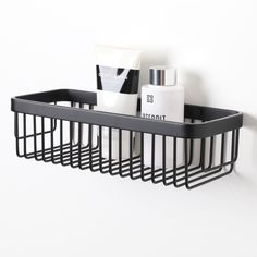 High-quality luxury bar basket, ideal for keeping your bottles neat and tidy!  Finished in Matte Black.