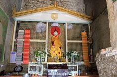 Altar-Mingun-Pahtodawgyi.jpg (1600×1067)