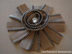 http://www.craftaholicsanonymous.net/daylily-zipper-flower-tutorial