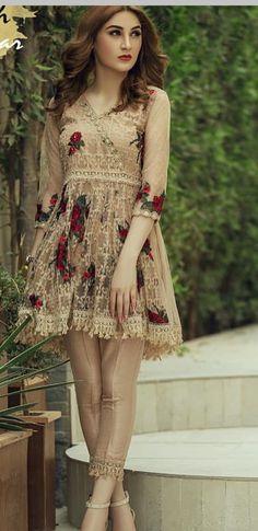 Pakistani Wedding Outfits, Pakistani Dresses, Indian Dresses, Indian Outfits, Fancy Dress Design, Stylish Dress Designs, Stylish Dresses, Pakistani Couture, Pakistani Dress Design