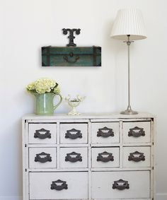 18'' Vintage Suitcase Wall Shelf